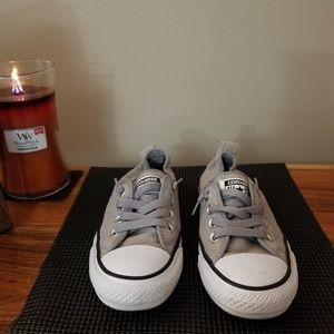 Converse medium gray below the ankle sneaker